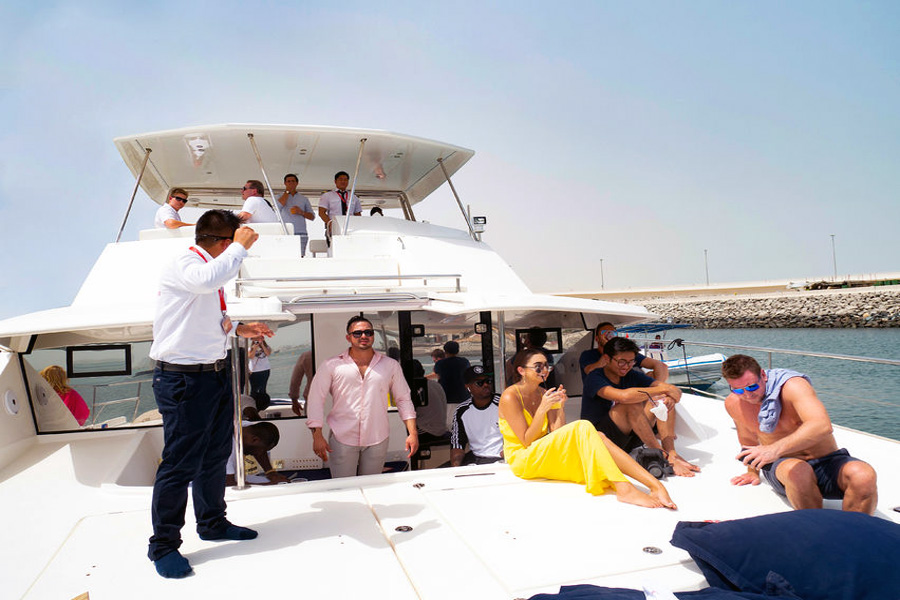 Dubai | 2-Hour Luxury Sunset Cruise With Barbecue